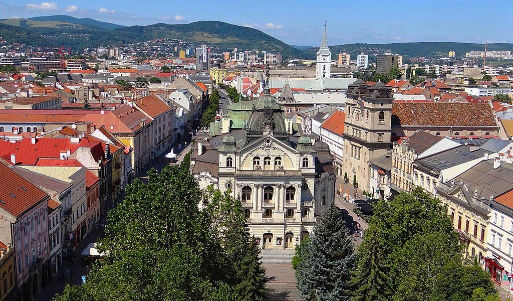 Kosice, Slovakia by By Adam Jones from Kelowna, BC, Canada [CC BY-SA 2.0 (https://creativecommons.org/licenses/by-sa/2.0)], via Wikimedia Commons